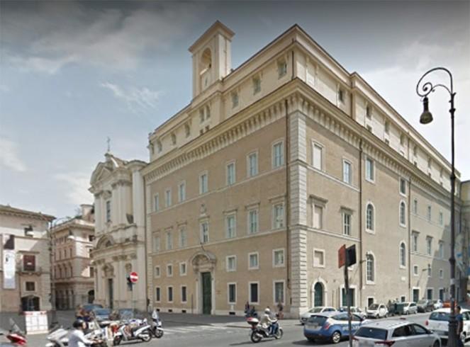 La piazza di Sant'Apollinare con in primo piano il Palazzo del Collegio Germanico con l'attigua Chiesa dopo il recente restauro