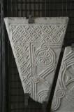 Ambito bizantino secc. X-XI, Frammento di lastra con rosette 1/3