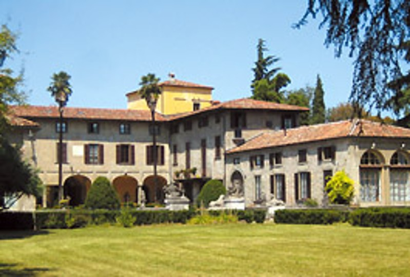 Biblioteca Betty Ambiveri