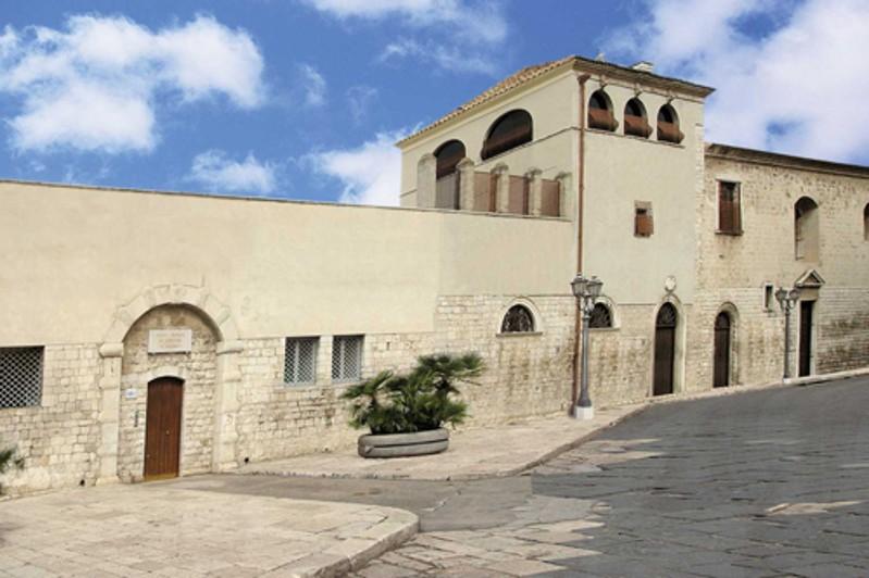 Biblioteca del Monastero benedettine celestine San Ruggero