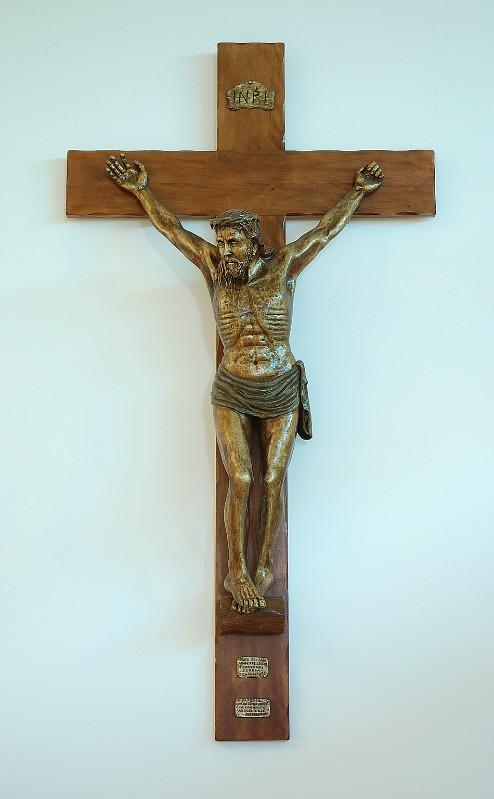 Ruggeri C. (2001), Crocifisso in legno