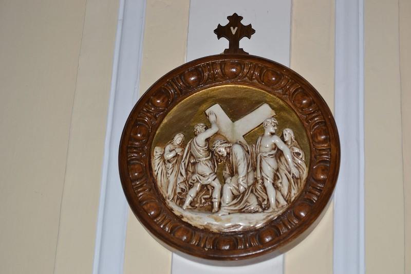 Bottega siciliana sec. XX, Rilievo con la V stazione della Via Crucis