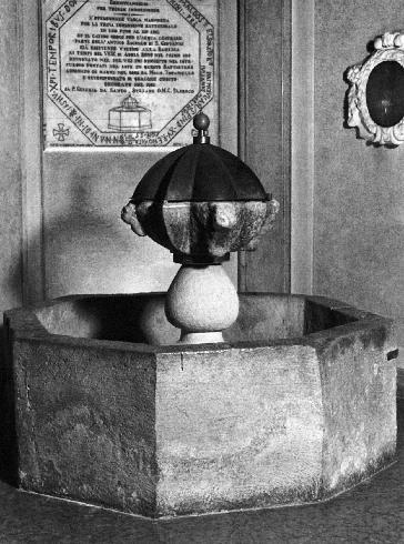 Vasca Battesimale conservata nella chiesa di S. Maria della Tomba (VIII - IX sec.)