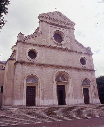 Cattedrale di San Bartolomeo <Avezzano>