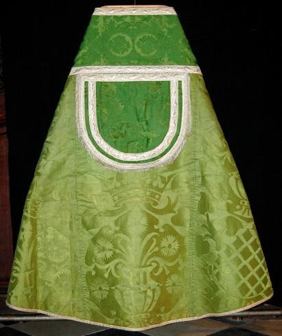 Manifattura genovese sec. XVII, Piviale in damasco verde della corona