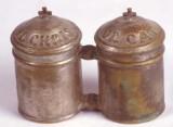Bott. laziale sec. XIX, Vasetto doppio per Oli Santi con iscrizione a rilievo