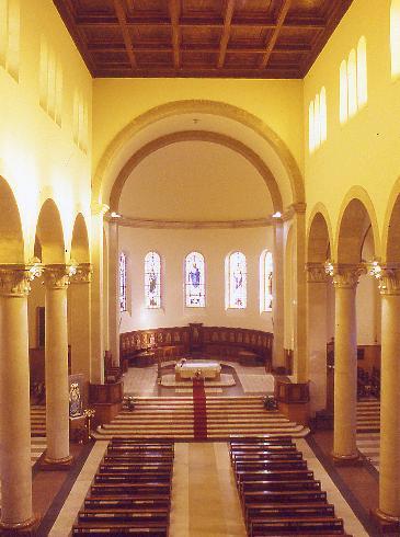 Veduta dell'aula  verso l'altare