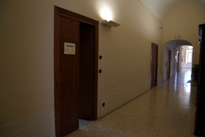 Ingresso sala di studio al primo piano dell'edificio