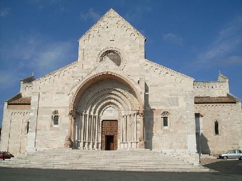 La facciata della cattedrale di San Ciriaco ad Ancona