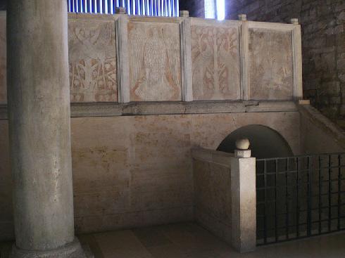 I plutei del  1189 che dividono il presbiterio  dalla cantoria