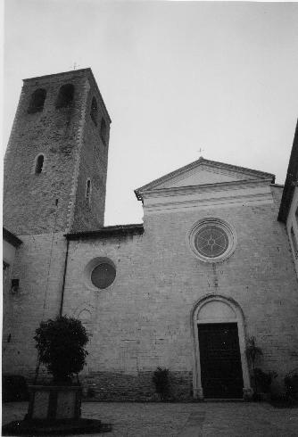 La facciata principale della Chiesa di San Leopardo ad Osimo