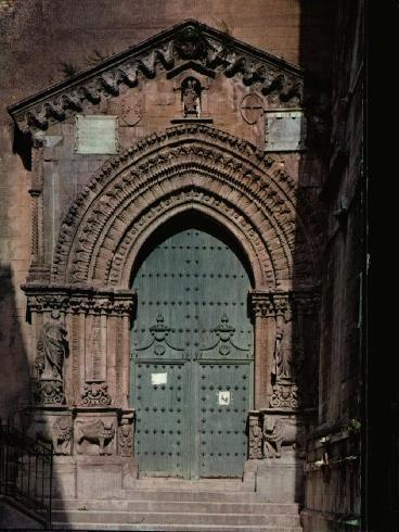 Particolare del portale principale