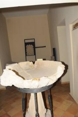 salone piano terra con attrezzatura per il corso I Colori di Santa Anastasìa