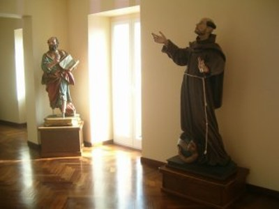 Statue lignee