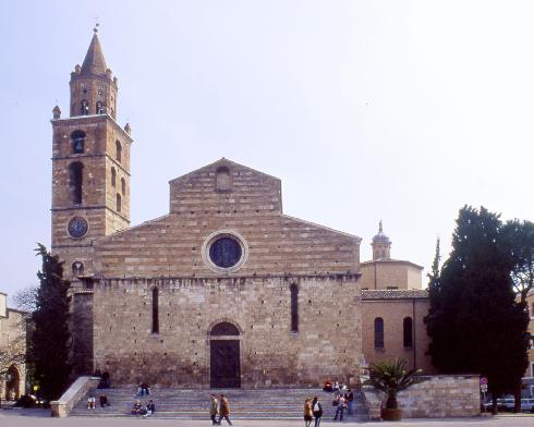 La facciata posteriore della cattedrale di San Berardo a Teramo