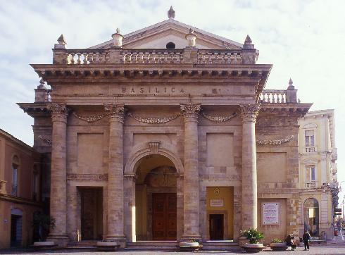 La facciata principale  della cattedrale di Santa  Maria del Ponte a Lanciano