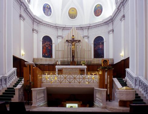 L'area presbiteriale.