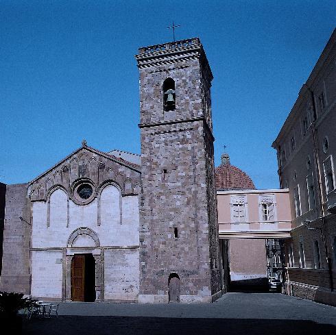 La facciata della cattedrale di Santa Chiara ad Iglesias