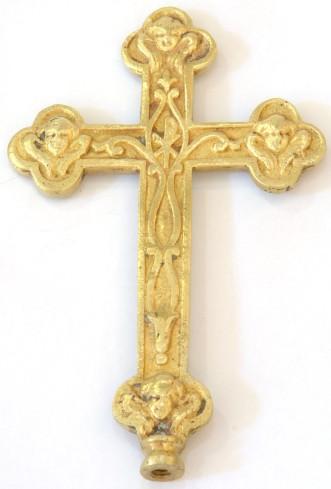 Bott. laziale sec. XVII, Croce con testine alate sulle terminazioni trilobate