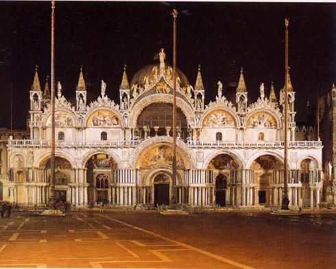 La facciata della cattedrale di San  Marco a Venezia