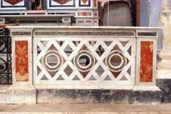 Maestranze calabresi sec. XX, Balaustra in marmo 1/2