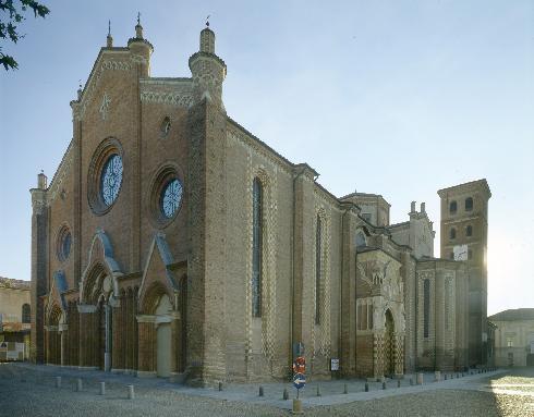Vista d'angolo della cattedrale