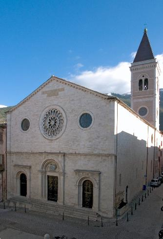 La facciata principale della Chiesa di San Benedetto  a Gualdo Tadino
