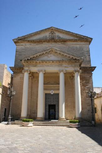 La facciata della cattedrale Santa  Maria Assunta in Cielo  ad Ugento