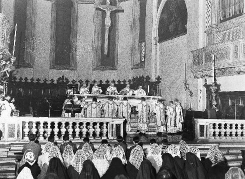 Il presbiterio dopo il 1960