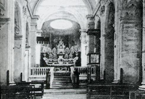 Presbiterio (prima del 1930) da D. Minelli, La Basilica Cattedrale di Ariano, Storia e arte, Napoli 1992
