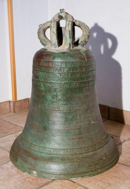 Ambito castelbuonese (1758), Campana