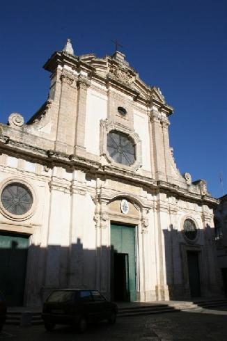La facciata della cattedrale di Maria Santissima Assunta a Nardo'