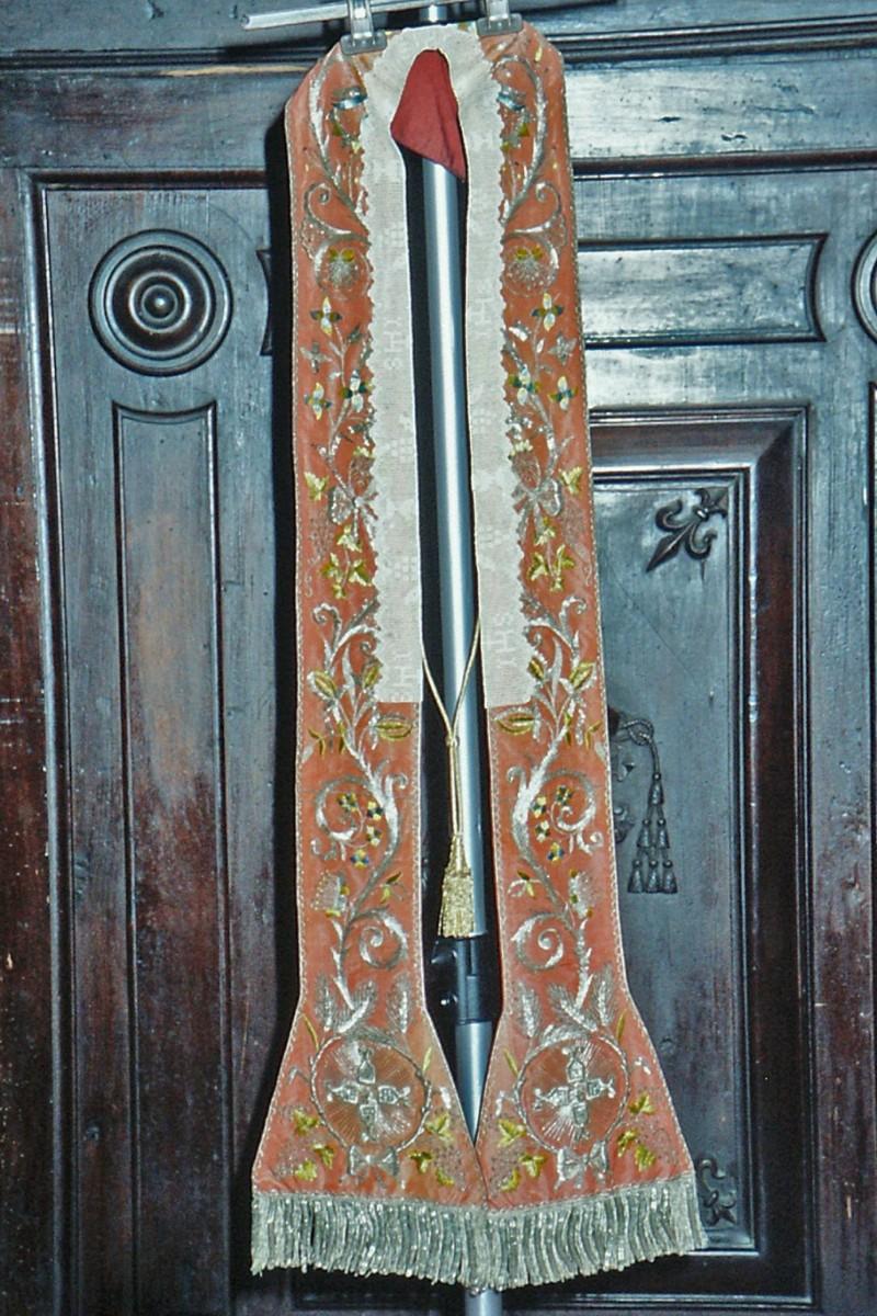 Manifattura marchigiana sec. XIX, Stola seta rossa frangie dorate