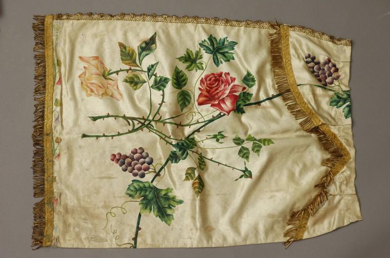 Manifattura ascolana sec. XIX, Conopeo di tabernacolo dipinto con rose 2/2