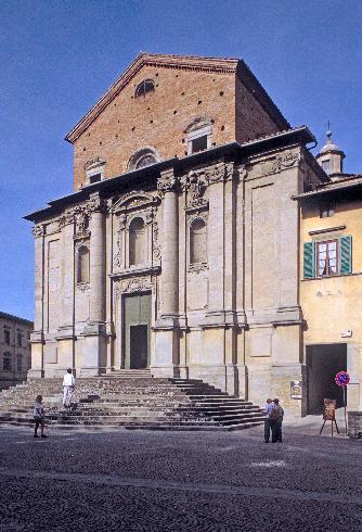La facciata della cattedrale dei Santi Florido e Amanzio –a Città di Castello
