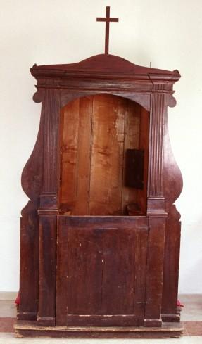 Bott. laziale sec. XIX, Confessionale con lesene scanalate