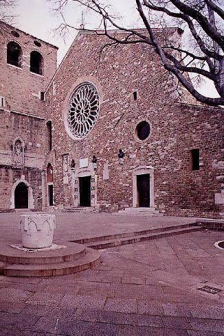 La facciata delle cattedrale