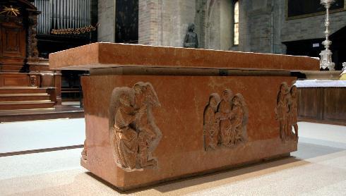 L'altare scolpito da Tofetti