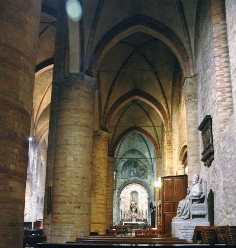 Vista della navata laterale destra