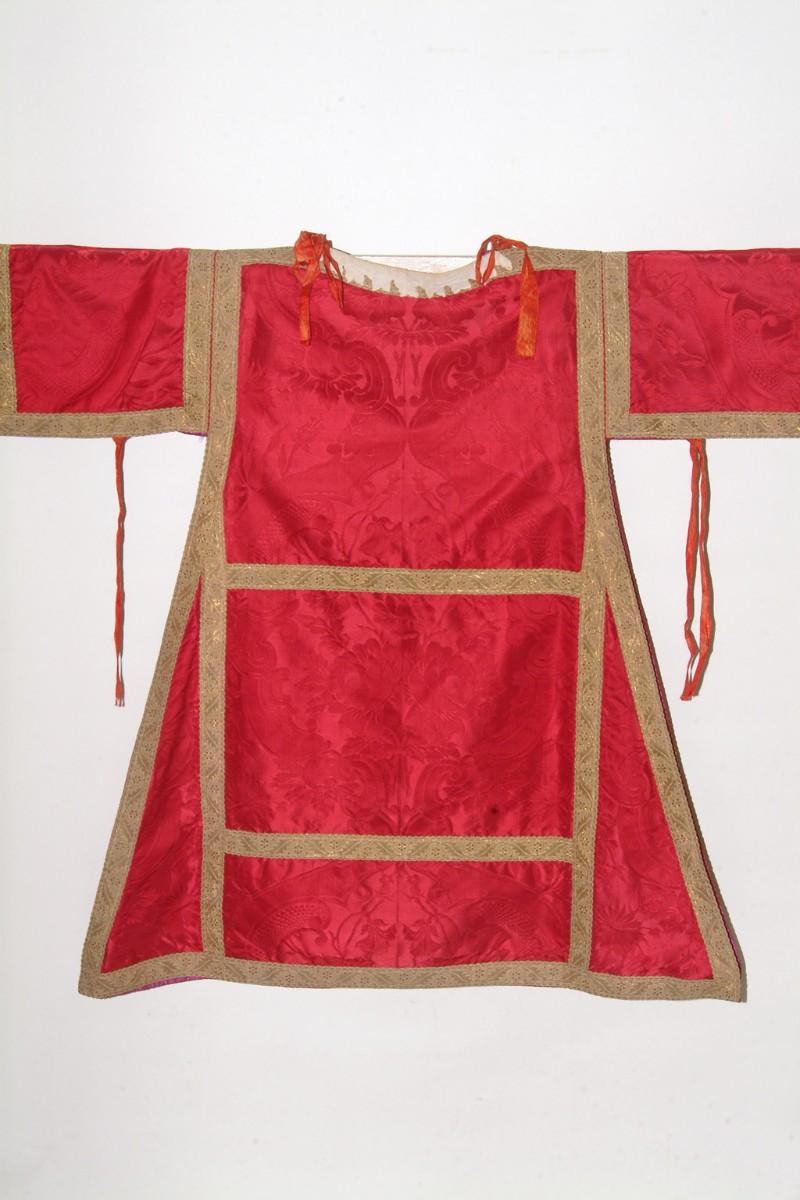 Manifattura siciliana sec. XIX, Dalmatica in damasco rosso 2/2