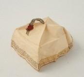 Manifattura campana sec. XVIII, Zucchetto di Papa Pio VI
