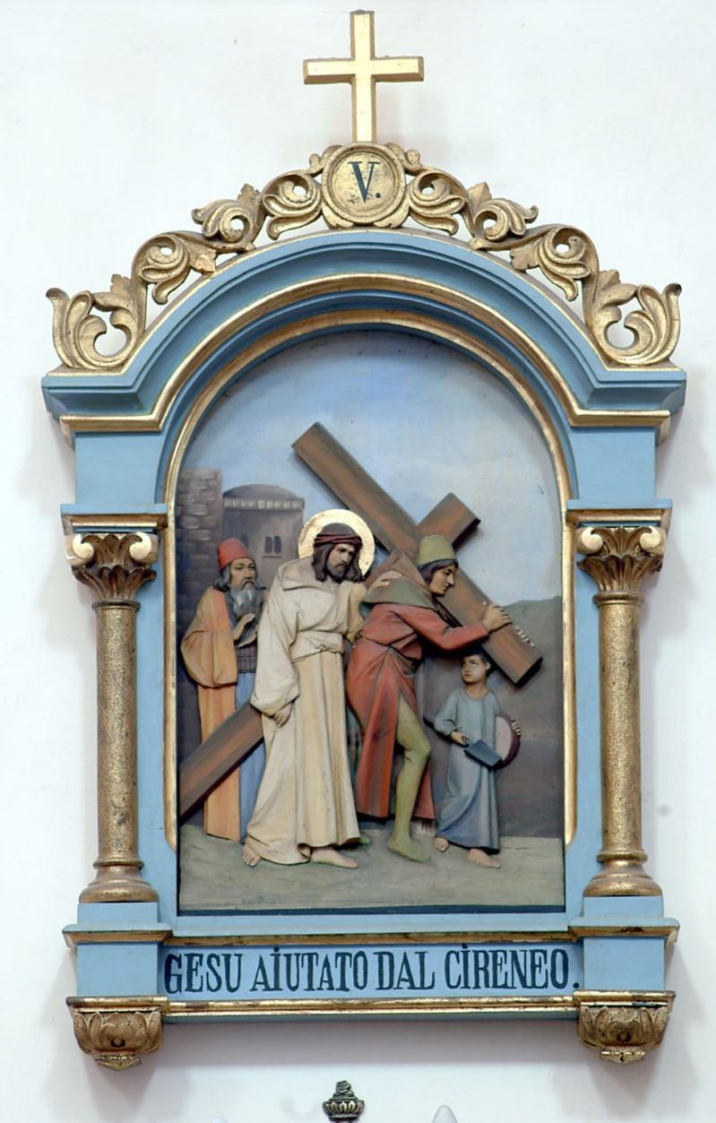Bottega siciliana sec. XX, Altorilievo con Gesù aiutato dal cireneo