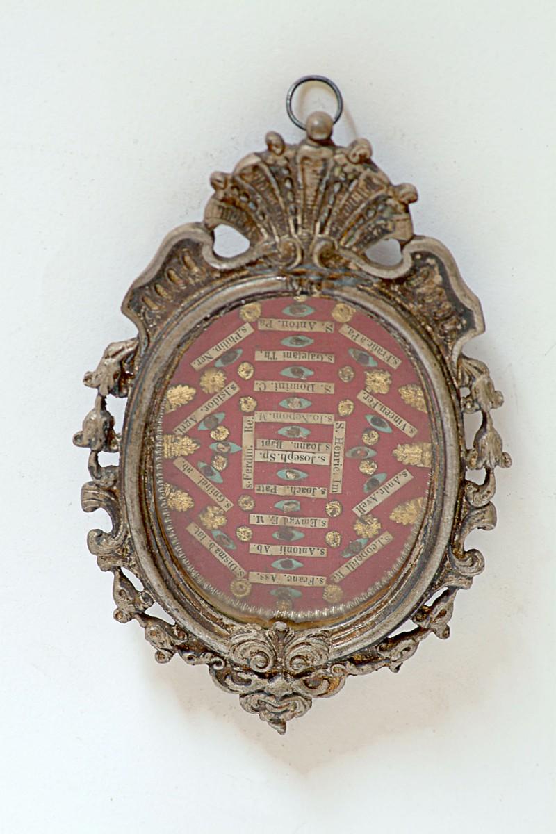 Bottega siciliana secc. XIX-XX, Reliquiario con cornice a volute 4/4