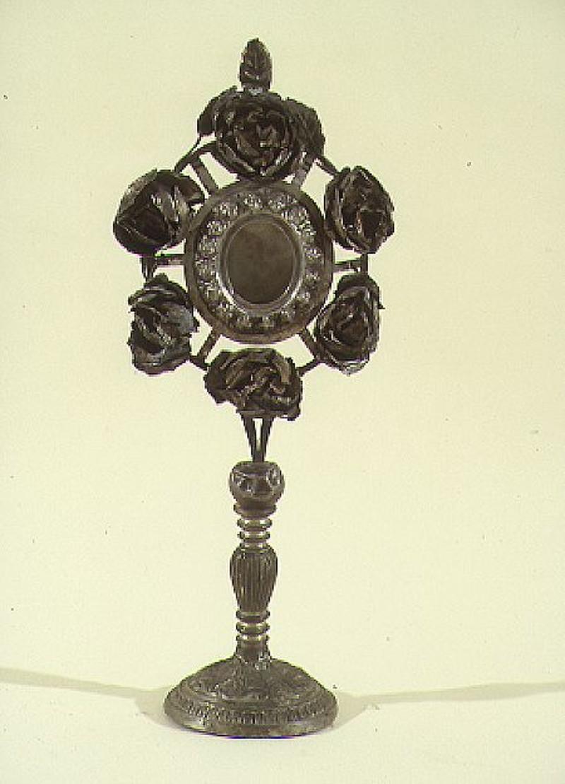 Bottega siciliana sec. XX, Reliquiario a ostensorio con fiori