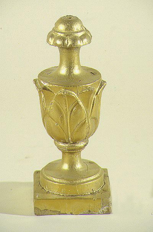 Bottega siciliana secc. XIX-XX, Vaso portapalma con fogliette 2/3