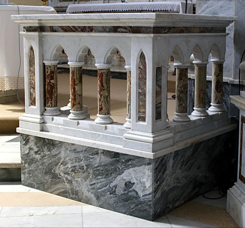 Bottega campana sec. XIX, Balaustra di marmo