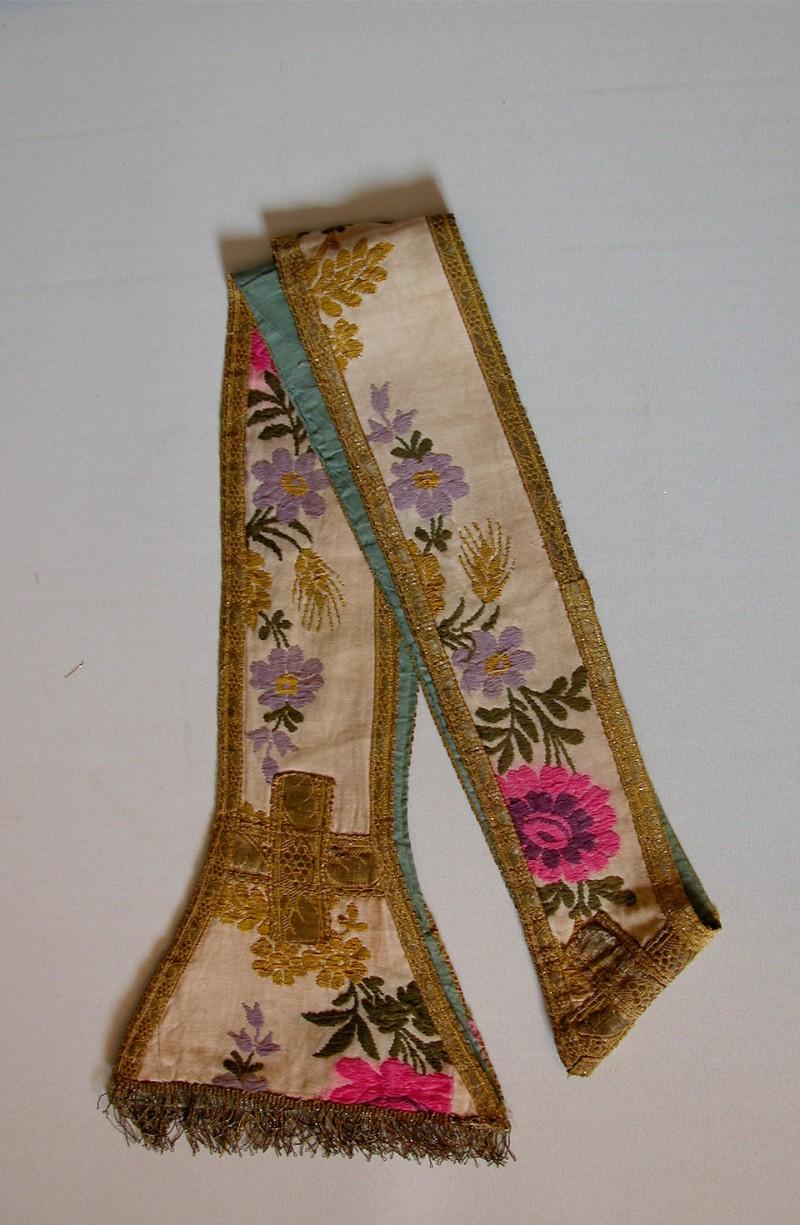 Manif. marchigiana sec. XIX-XX, Stola del parato a fiori fucsia