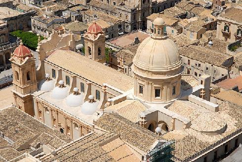 Vista dall'alto della cattedrale dopo i lavori di restauro