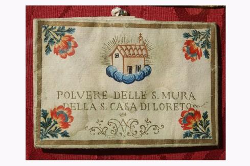 Manifattura pugliese sec. XX, Custodia di polvere della Santa Casa di Loreto