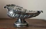 Bottega napoletana sec. XVIII, Navicella d'argento sbalzato